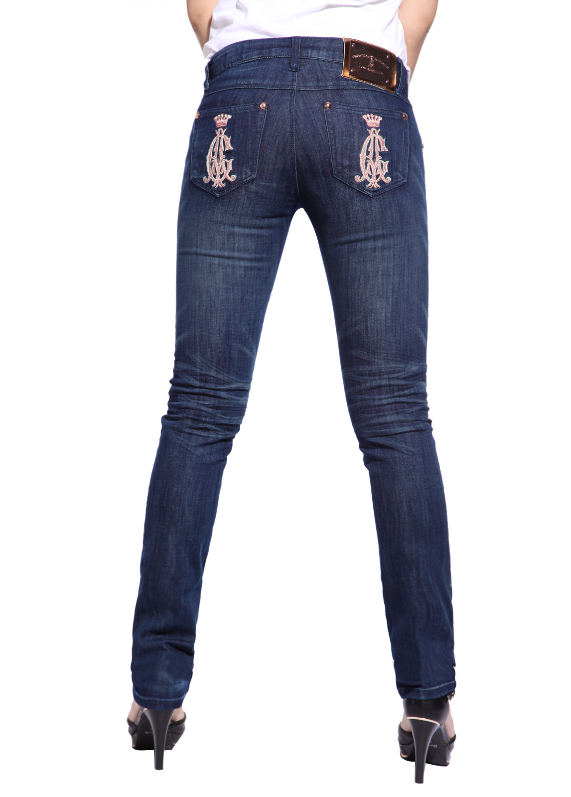 Extra long length jeans for tall women. We provide tall ladies, tall girls with extra long length pants, dress pants, maxi dresses, dresses, pyjamas, suits and long fashionable womens clothing. Long inseam bootlegs, flares, straight legs, waist and hipsters.